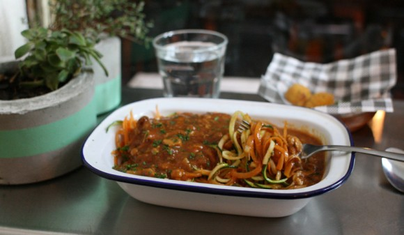 vegetable-pasta-with-meat-sauce
