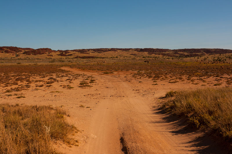 Karratha-Cowries-Cove-4WD-track
